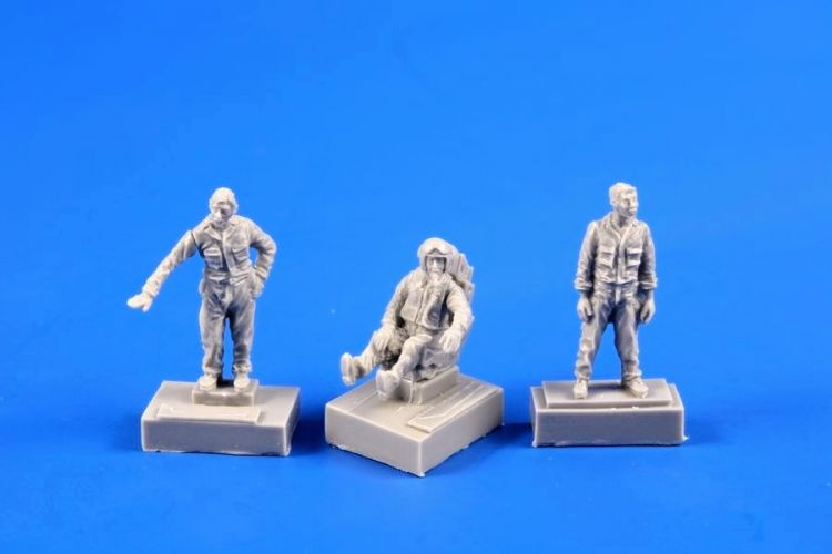 CMK 1/72 72364 SMB-2 FIGHTER PILOT AND TWO GROUND CREW