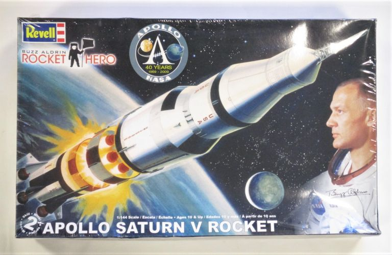 REVELL 1/144 85-5088 APOLLO SATURN V ROCKET BUZZ ALDRIN ROCKET HERO  UK SALE ONLY