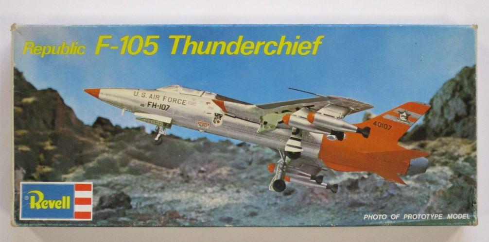 REVELL  H-166 REPUBLIC F-105 THUNDERCHIEF