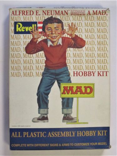 REVELL 1/8 85-3639 ALFRED E. NEUMAN MAD