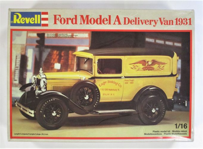 REVELL 1/16 7493 FORD MODEL A DELIVERY VAN 1931