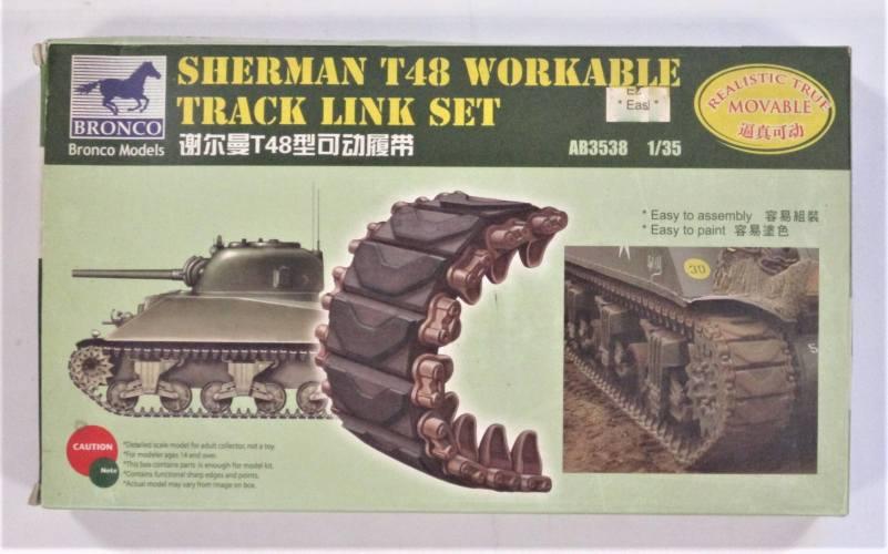 BRONCO 1/35 3538 SHERMAN T48 WORKABLE TRACK LINK SET