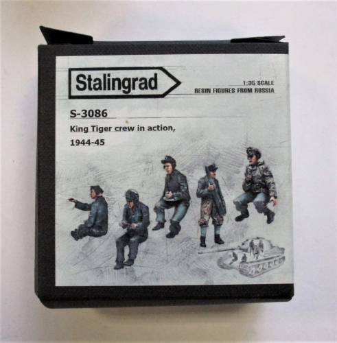 STALINGRAD 1/35 S-3086 KING TIGER CREW IN ACTION 1944-45