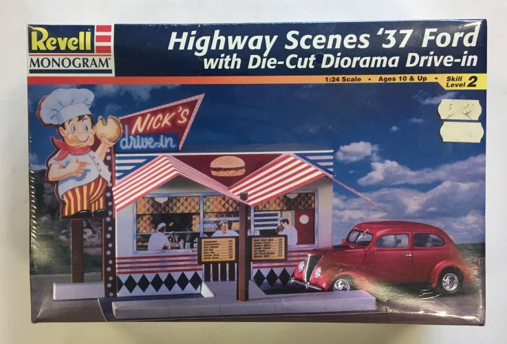 REVELL 1/24 7800 HIGHWAY SCENES 37 FORD WITH DIE-CUT DIORAMA DRIVE-IN