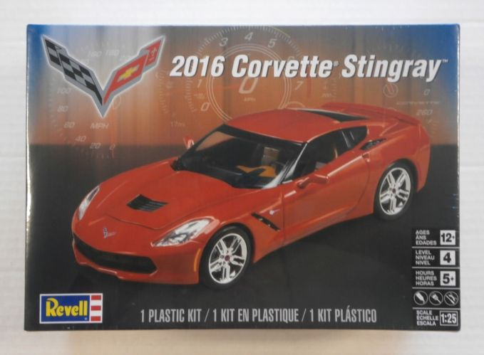 REVELL 1/25 4425 2016 CORVETTE STINGRAY
