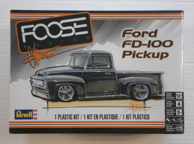 REVELL 1/25 4426 FORD FD-100 PICKUP