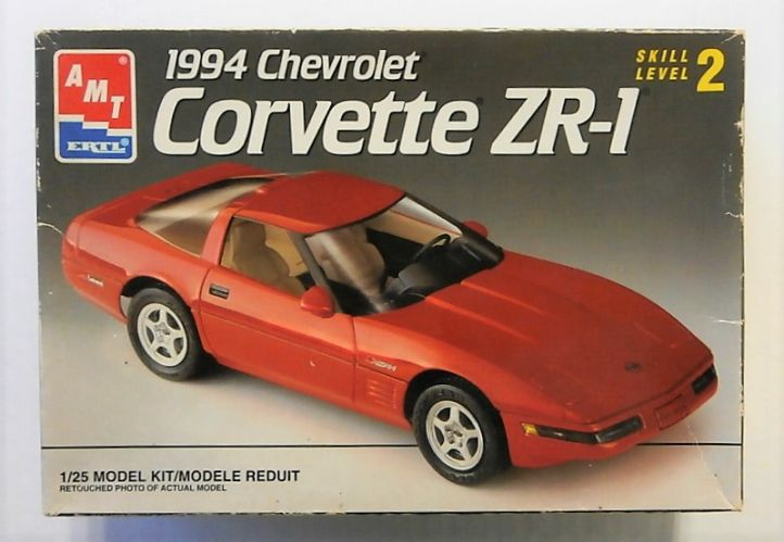 AMT 1/25 8069 1994 CHEVROLET CORVETTE ZR-1