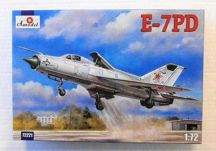 A MODEL 1/72 72221 MIKOYAN E-7PD