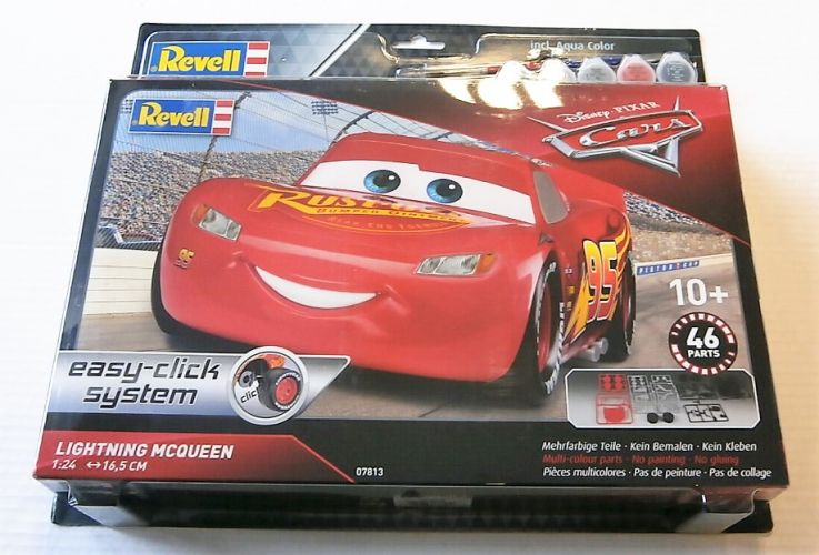 REVELL 1/24 67813 LIGHTNING MCQUEEN MODEL SET