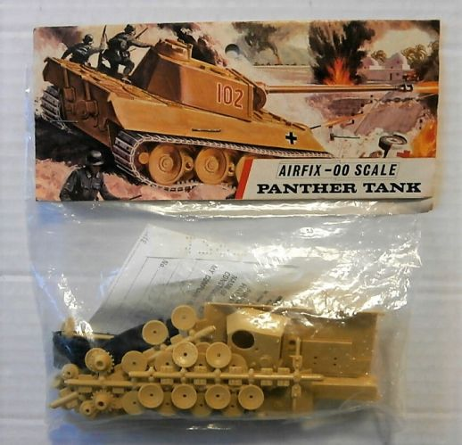 AIRFIX OO PANTHER TANK  BAGGED KIT