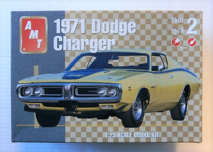 AMT 1/25 31253 1971 DODGE CHARGER