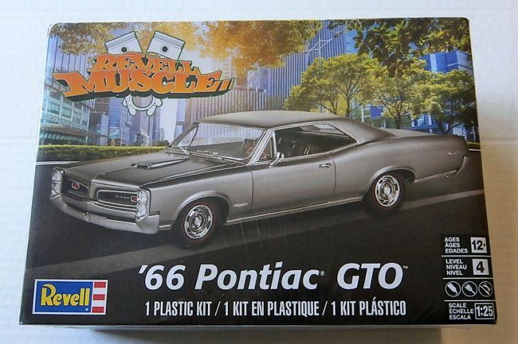 REVELL 1/25 4479 66 PONTIAC GTO