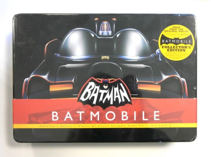 POLAR LIGHTS  822 BATMOBILE COLLECTORS EDITION