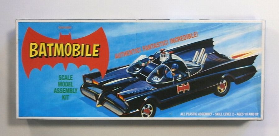 POLAR LIGHTS  821 BATMOBILE