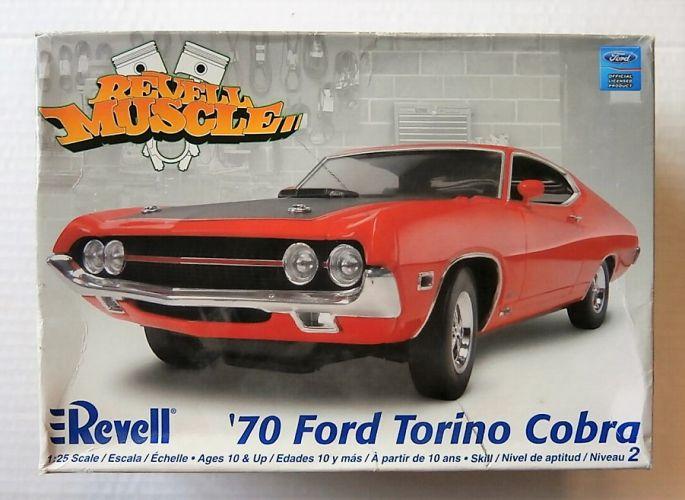 REVELL 1/25 2018 1970 FORD TORINO COBRA