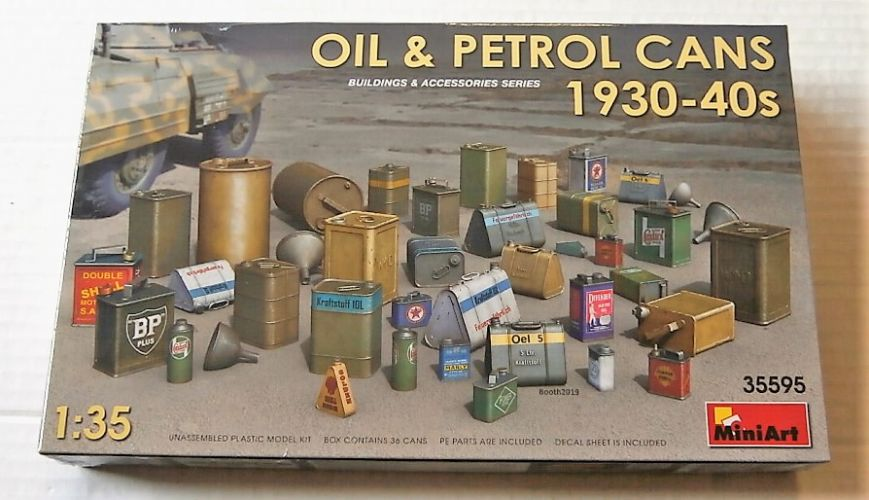 MINIART 1/35 35595 OIL   PETROL CANS 1930-40S