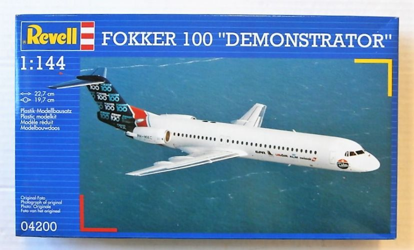 REVELL 1/144 04200 FOKKER 100 DEMONSTRATOR