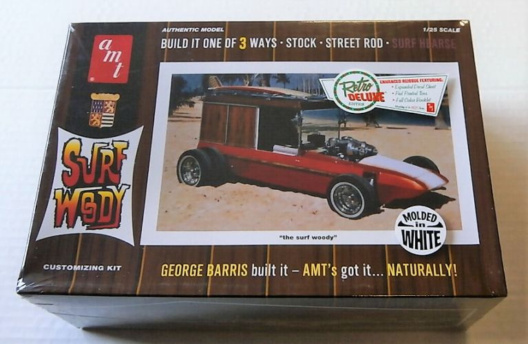 AMT 1/25 976 SURF WOODY