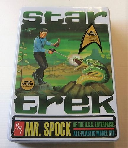 AMT  624 STAR TREK MR SPOCK OF THE U.S.S.ENTERPRISE