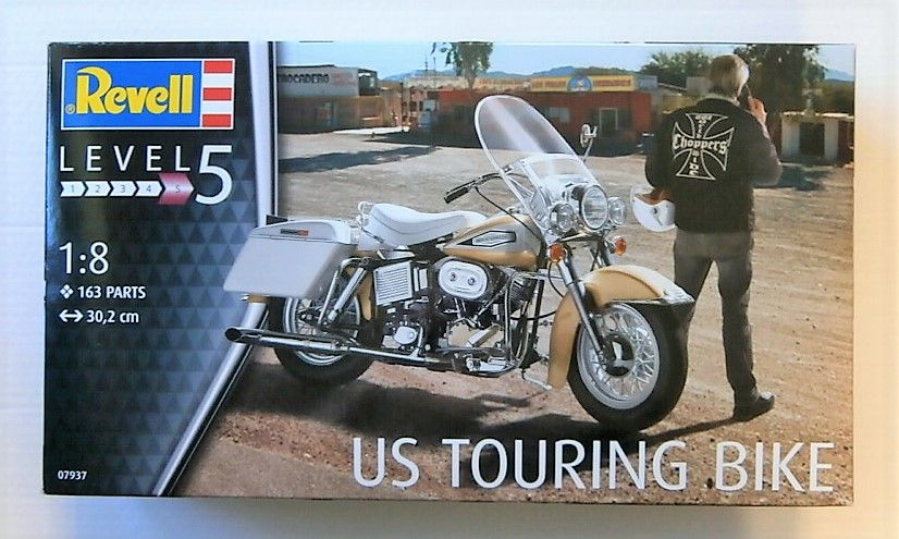 REVELL 1/8 07937 US TOURING BIKE
