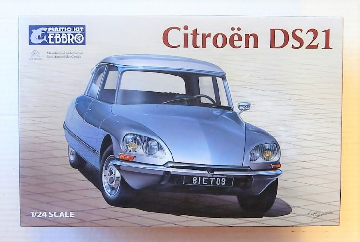 EBBRO 1/24 25009 CITROEN DS21