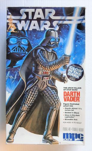 MPC 11 INCH TALL 8154 STAR WARS DARTH VADER