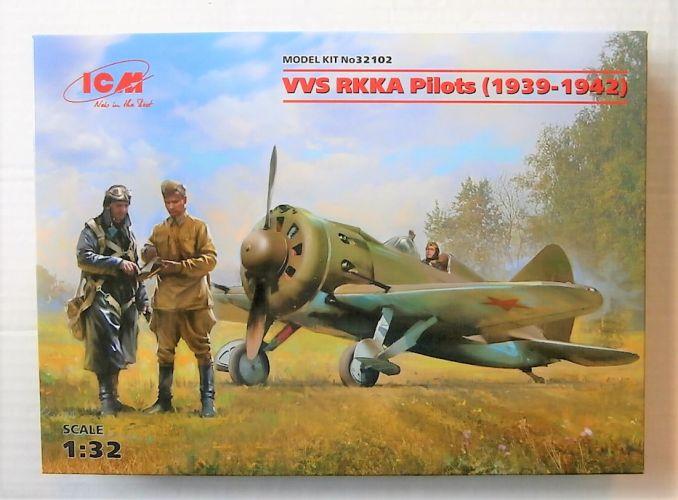 ICM 1/32 32102 VVS RKKA PILOTS  1939-1942