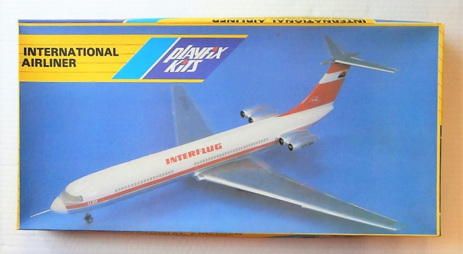 PLAYFIX 1/100 670 IL-62 INTERFLUG