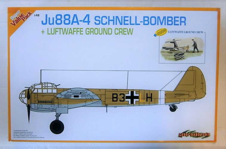 CYBER-HOBBYCOM 1/48 5565 JU88A-4 SCHNELL-BOMBER WITH LUFTWAFFE GROUND CREW