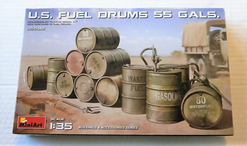 MINIART 1/35 35592 U.S. FUEL DRUMS 55 GALS