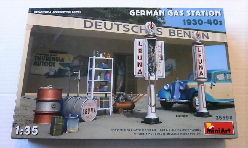 MINIART 1/35 35598 GERMAN GAS STATION 1930-40s