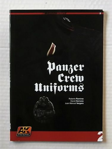 CHEAP BOOKS  ZB2196 PANZER CREW UNIFORMS - ROBERTO RAMIREZ DAVID HERNANZ AND JUAN MANUEL VERGARA