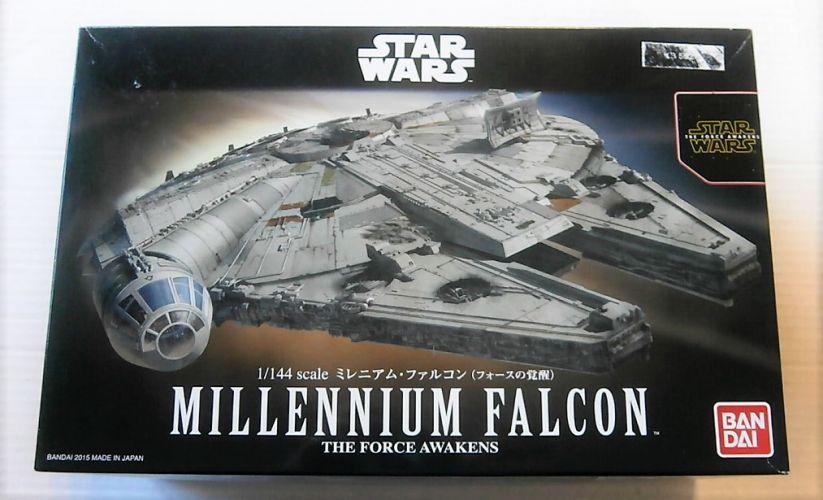 BANDAI 1/144 0202288 STAR WARS THE FORCE AWAKENS MILLENNIUM FALCON