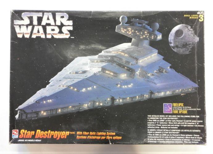 AMT  8782 STAR WARS STAR DESTROYER WITH FIBER OPTIC LIGHTING SYSTEM