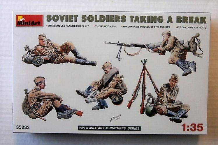 MINIART 1/35 35233 SOVIET SOLDIERS TAKING A BREAK