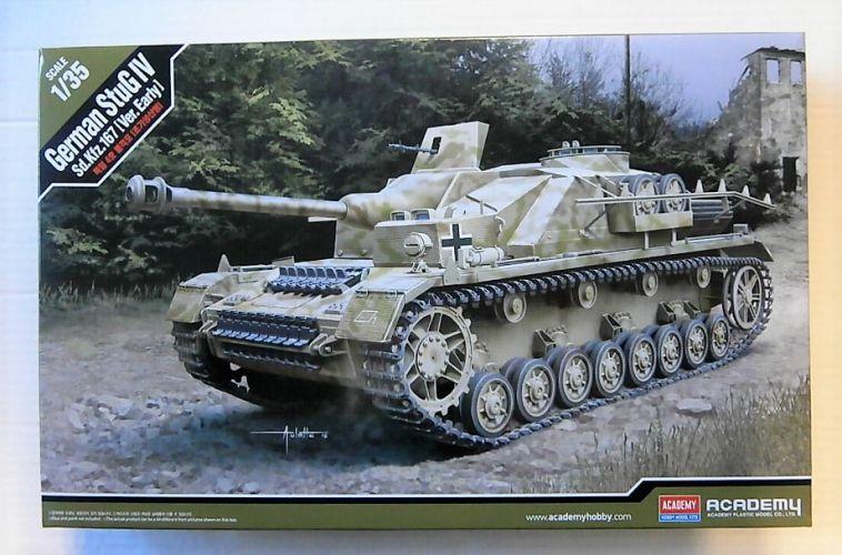 ACADEMY 1/35 13522 GERMAN STUG IV Sd.Kfz.167 EARLY VERSION