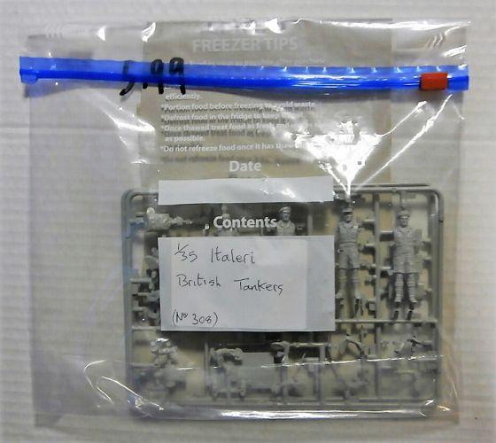 ITALERI 1/35 BK96 308 BRITISH TANKERS  NO BOX