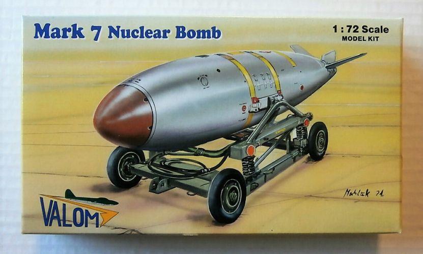 VALOM 1/72 72127 MARK 7 NUCLEAR BOMB
