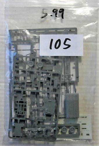JB MODELS 1/76 BK105 JB1003 LANDROVER L.W.B  NO BOX