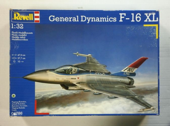 REVELL 1/32 04786 GENERAL DYNAMICS F-16 XL