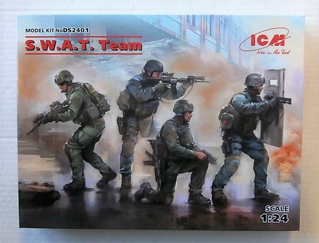 ICM 1/24 DS2401 S.W.A.T. TEAM