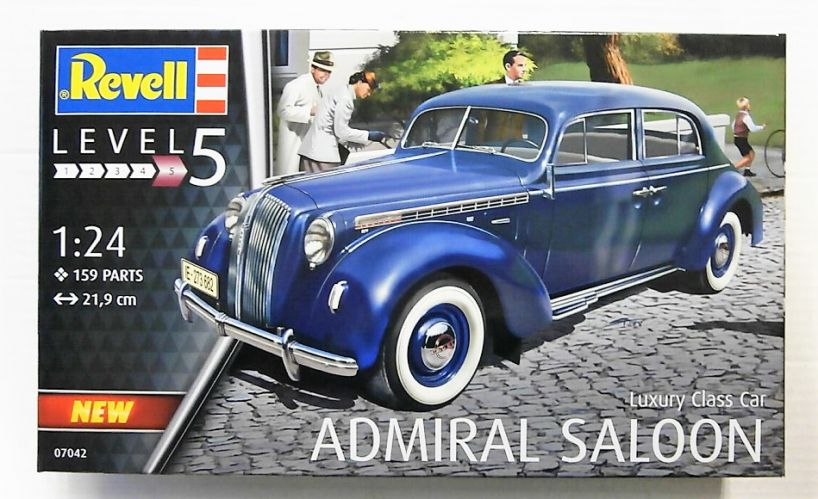 REVELL 1/24 07042 LUXURY CLASS CAR ADMIRAL SALOON
