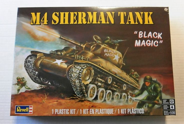 REVELL 1/35 7864 M4 SHERMAN TANK  BLACK MAGIC