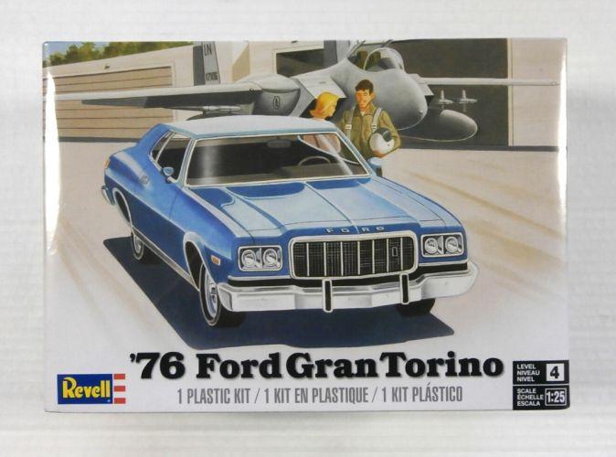 REVELL 1/25 4412 76 FORD GRAN TORINO