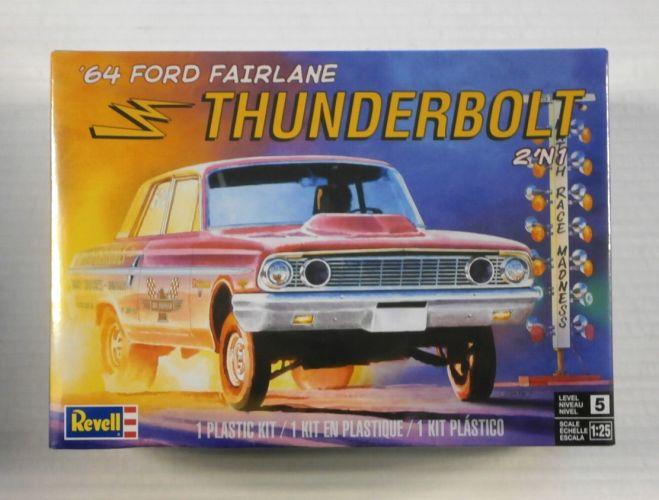 REVELL 1/25 4408 1964 FORD FAIRLANE THUNDERBOLT