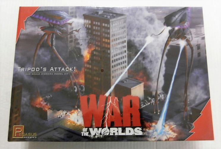 PEGASUS HOBBIES  9006 WAR OF THE WORLDS TRIPOD ATTACK