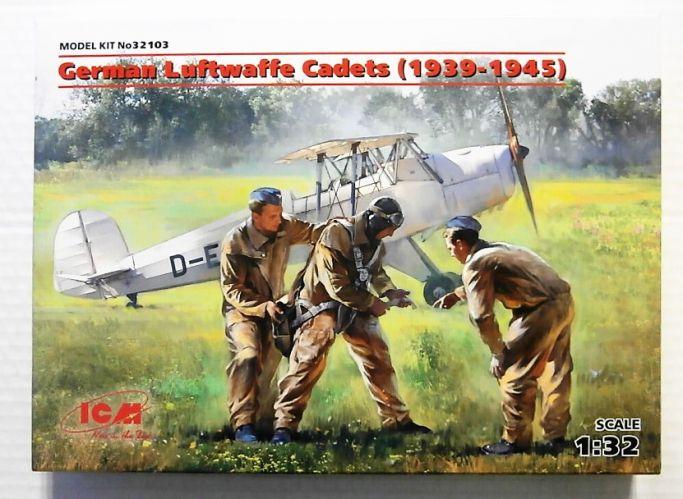 ICM 1/32 32103 GERMAN LUFTWAFFE CADETS  1939-1945