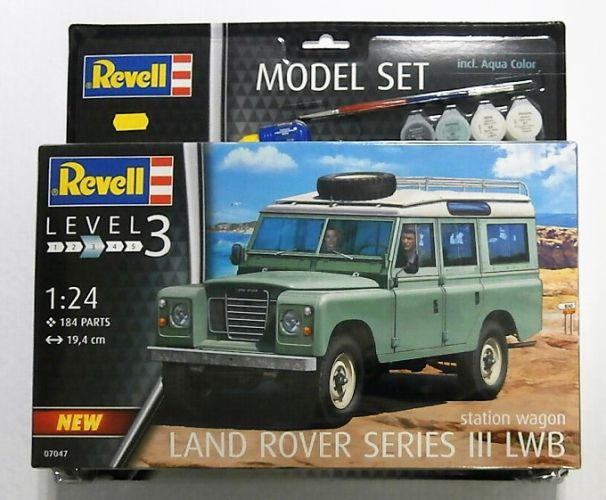 REVELL 1/24 67047 LAND ROVER SERIES III LWB  MODEL SET