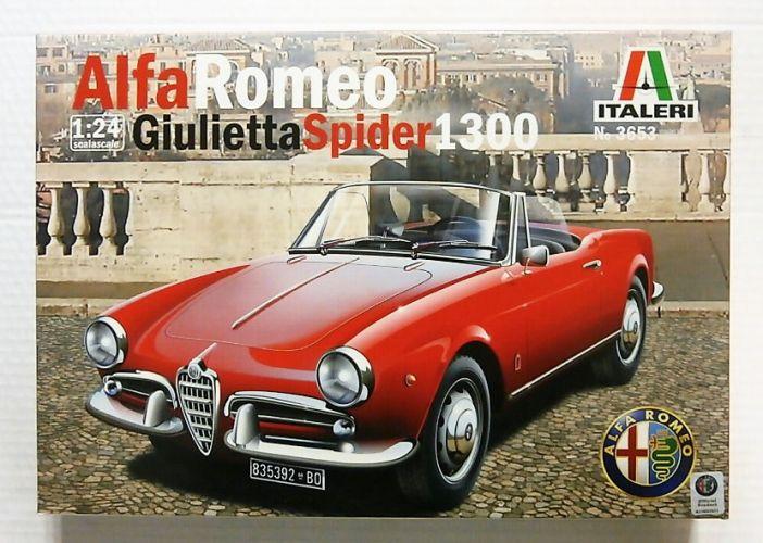 ITALERI 1/24 3653 ALFA ROMEO GIULIETTA SPIDER 1300