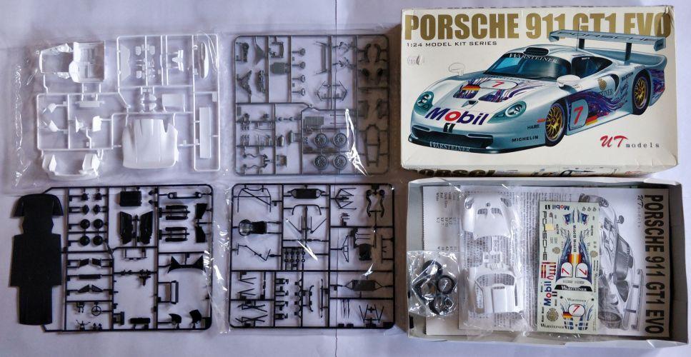KINGKIT MODEL SCRAPYARD 1/24 UT MODELS - 92032 PORSCHE 911 GT1 EVO - STARTED